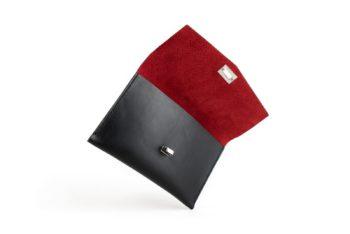 Černo červené kožené psaníčko