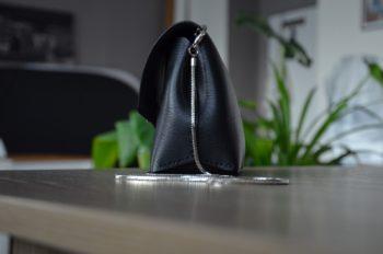 Černá kabelka z exkluzivní italské třísločiněné kůže
