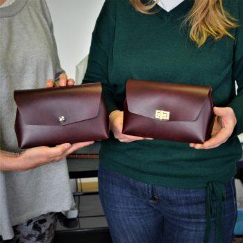 Kurz výroby kabelky z exkluzivních, vysoce kvalitních usní, barva burgundy