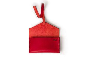 Pouzdro na klíče z vysoce kvalitní italské usně, s koženým řemínkem